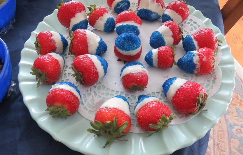 Patriotic Strawberries for Independence Day