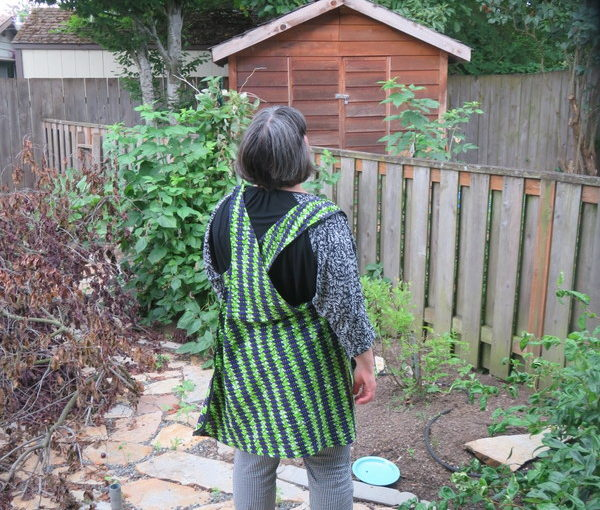 I Draft a Cris-Cross Apron Pattern; Make Two Aprons
