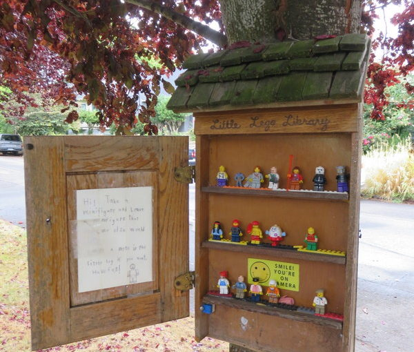 Discovered on Walk: Little Free LEGO Library