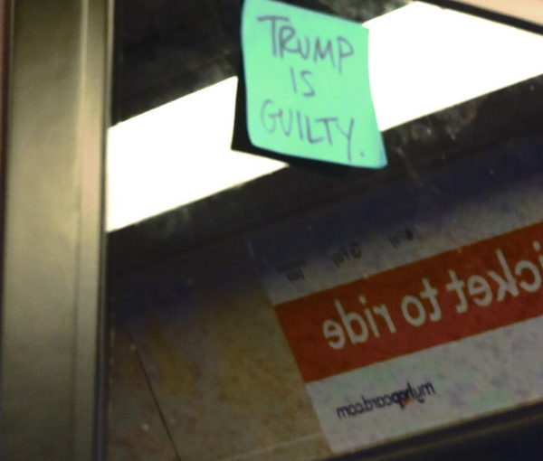 Post-it on the Train